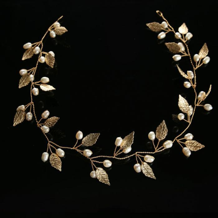 Lightweight Metal Tiara with Pearls