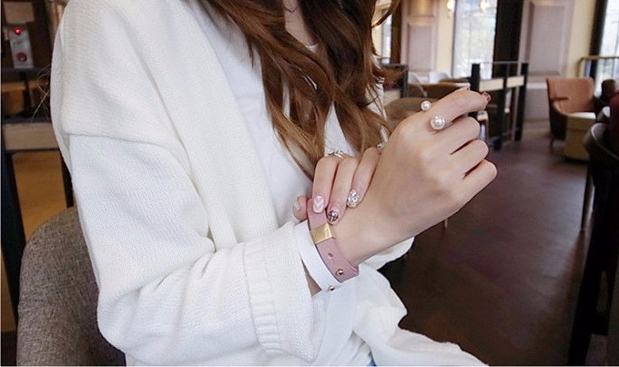Women's Pearl Decorated Ring